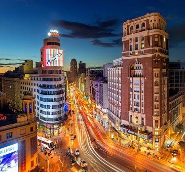 VIAJANDO POR MADRID